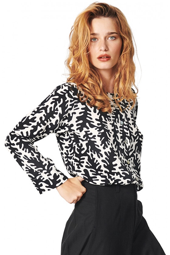 GRAPHIC LEAVES SHIRT
