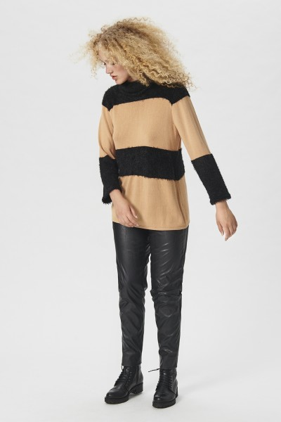 RAZOR KNIT TURTLENECK BLOUSE